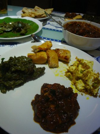 Mahesh Lunch Home : Mix of dishes!