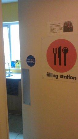 Igloo Backpackers Hostel: Køkken