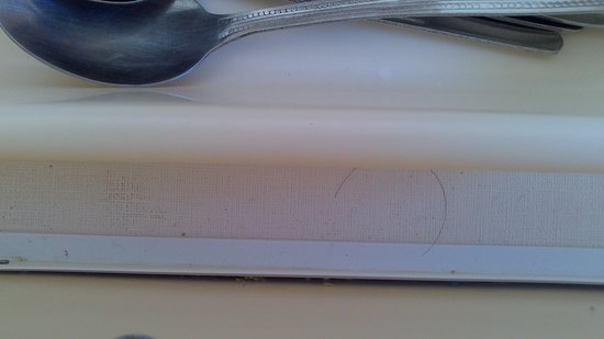 Beachside Holiday Park: hairs in the cutlery draw