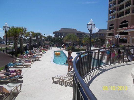 Tilghman Beach & Golf Resort : Pool area..