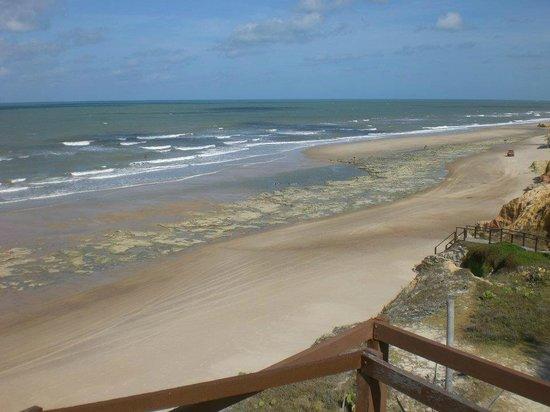 Morro Branco: Alguns pontos de apoio na Praia das Fontes não permitem facil acesso à praia