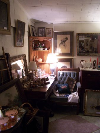 Eagle Wings Antiques: The shop is filled with quality smalls, furniture, paintings, prints & early pattern glass.