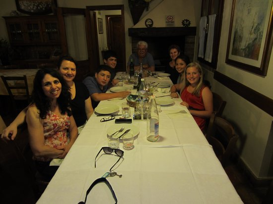 Agriturismo Villa Mocenigo: Our family at the dinner table