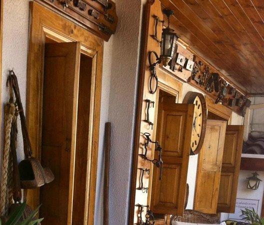 Hotel Boutique Vendimia Premium: Colección de objetos antiguos