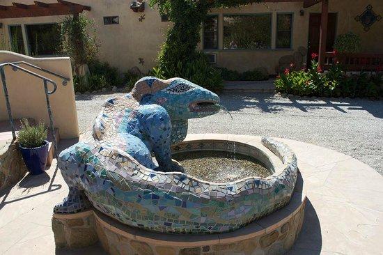 Blue Iguana Inn : Thee Blue Iguana