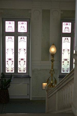 Grand Hotel Union: Interior stairwell