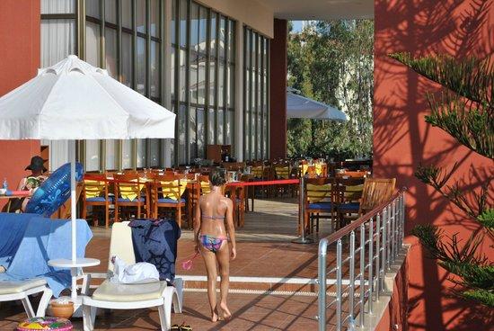 Hotel Side Bella Luna: Restaraunt Außen