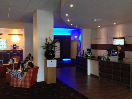 Novotel York Centre: Reception