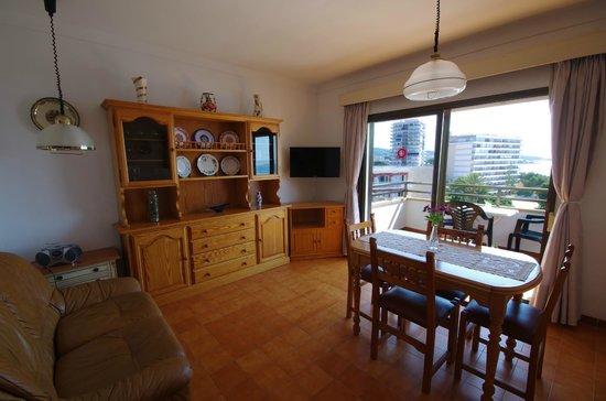 Marina Apartments: Living room 2