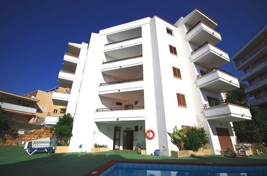 Marina Apartments: Front 3