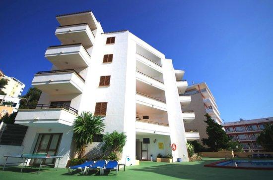 Marina Palmanova Apartments: Front 2