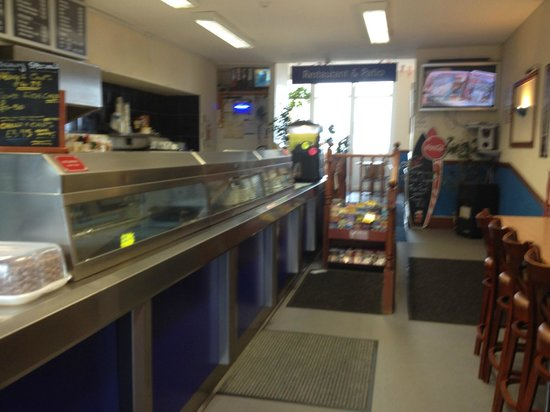The Cod End Fish & Chip Shop: ENTRANCE TO LICENCED RESTURANTE