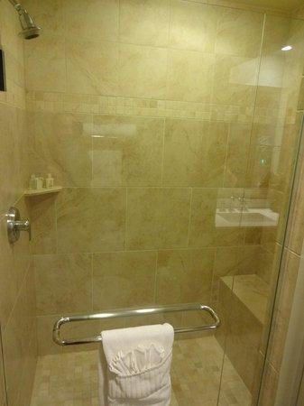 Inn on Fifth: La salle de bain