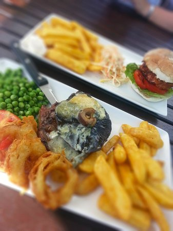 The Red Lion: Main Course, Steak and Burger