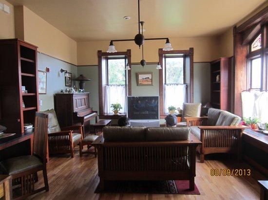 Midland Railroad Hotel : Lounge