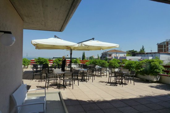 Hotel Desenzano: Roof terrace