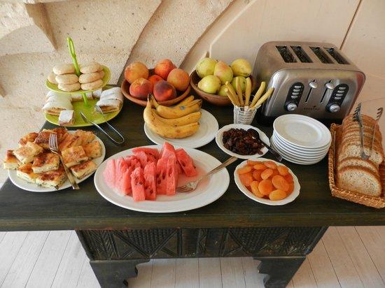 Hezen Cave Hotel : Café da manhã
