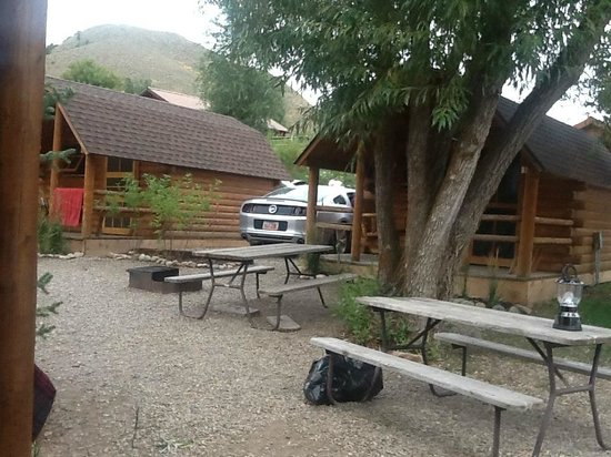 Snake River Park KOA and Cabin Village: cabins..mini