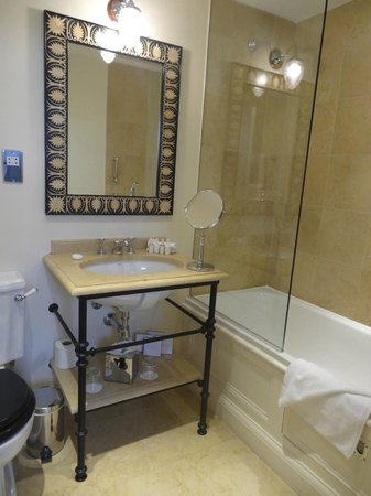 Cranley Hotel: Penthouse Suite Bathroom