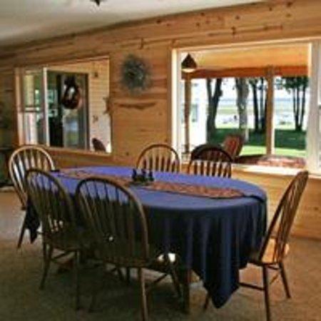 Leech Lake B&B: Breakfast Area