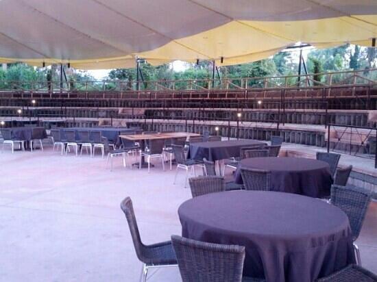 Anfiteatro con tavoli allaperto picture of loasi dellantica