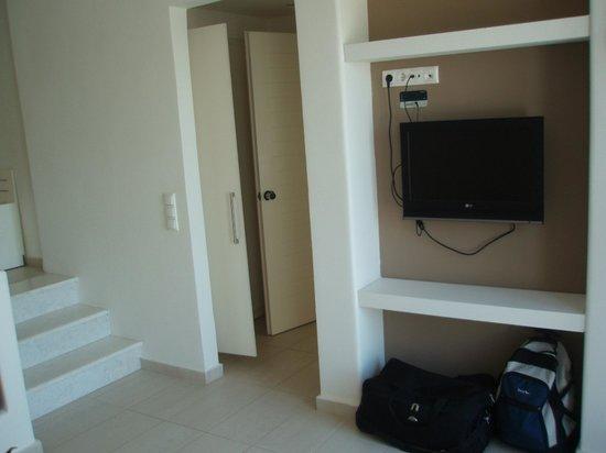 Archipelagos Resort Hotel: Livingroom