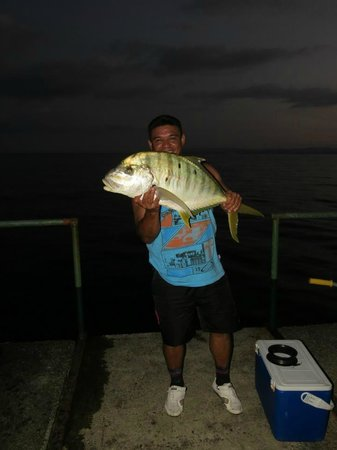 Playa Nicuesa Rainforest Lodge: Caught on a hand line right off the dock