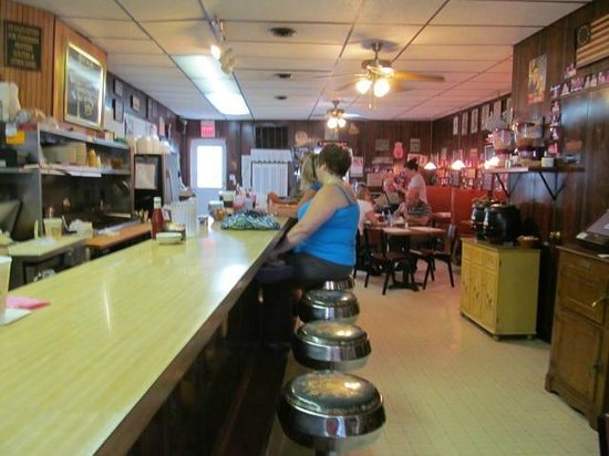 Thisilldous Eatery: Interior