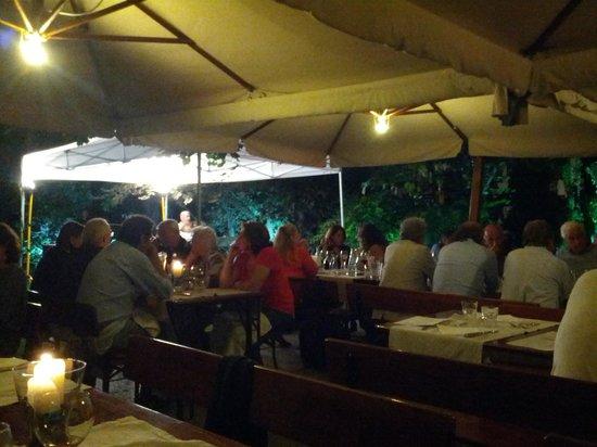 Hotel Cles: il giardino del ristorante