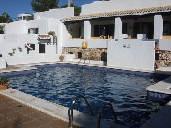 piscine photo de hostal cala moli sant josep de sa talaia tripadvisor. Black Bedroom Furniture Sets. Home Design Ideas