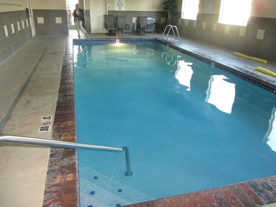 Holiday Inn Express Suites Chehalis - Centralia: Pool