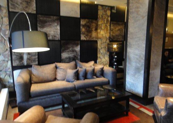 Lennox Hotels Ushuaia: the lobby again