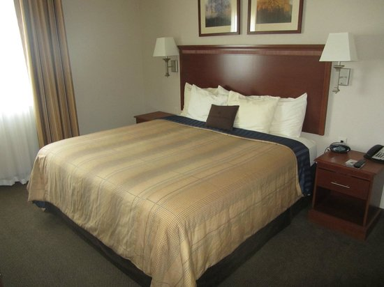 Candlewood Suites - Portland Airport : King Bed