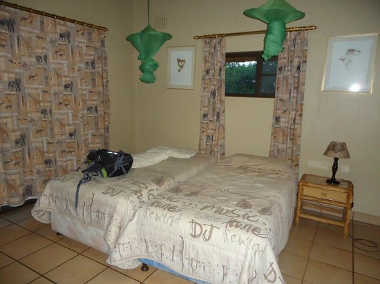 Ndumo Rest Camp: Inside the chalet, comfortable single beds with mosquito nets