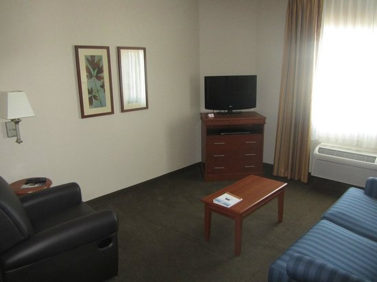 Candlewood Suites - Portland Airport: King Suite