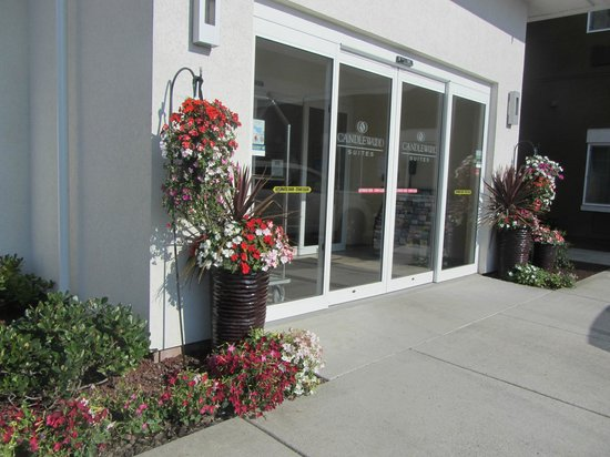 Candlewood Suites - Portland Airport: Entrance