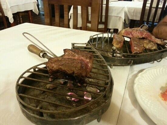 Meson Egues : chop per una persona e steak