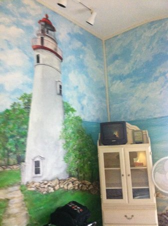 Victorian Inn Bed and Breakfast: The Lighthouse room