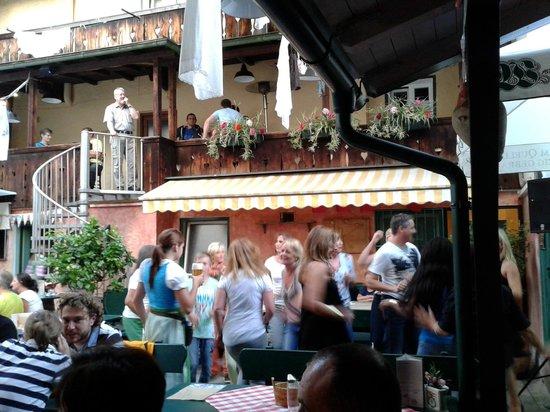 Goldener Bar : Biergarten