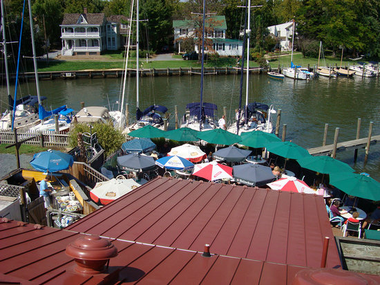 Foxy's Harbor Grille: View from above of Foxy's
