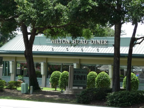 Hilton Head Diner : another outside photo