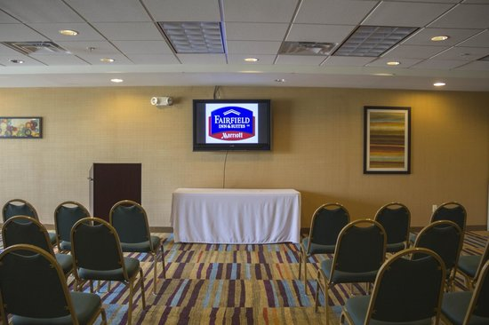 Fairfield Inn & Suites Watervliet St. Joseph: Conference Room