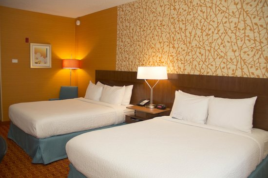 Fairfield Inn & Suites Watervliet St. Joseph: Two Queen Guest Room