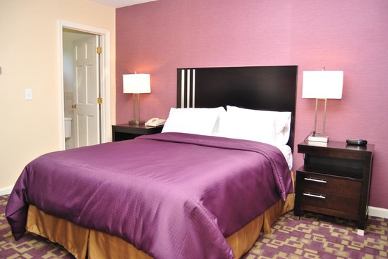 Americas Best Value Inn - Providence / North Scituate: Non Smoking Queen Deluxe