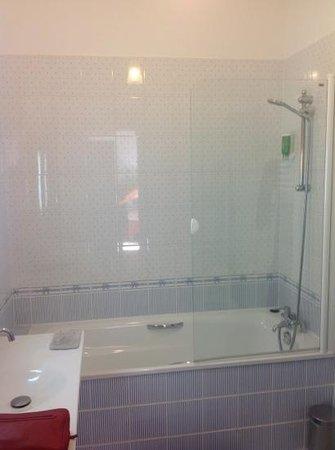 Manoir de Contres: salle de bain
