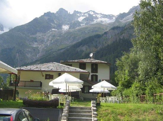 Hotel Aigle: L'esterno hotel