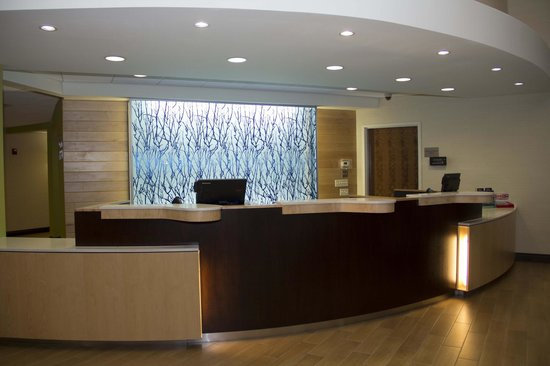 Fairfield Inn & Suites Watervliet St. Joseph : Front Desk