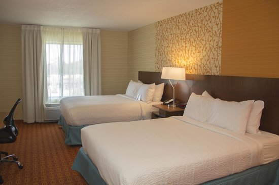 Fairfield Inn & Suites Watervliet St. Joseph : Two King Guest Room