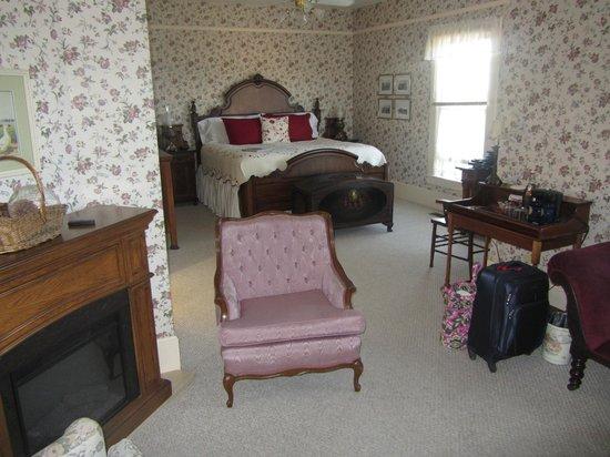 Blue Goose Inn Bed and Breakfast: Mt Baker Suite