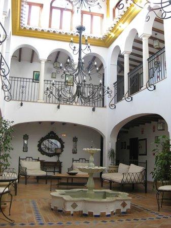 Hotel Rural Huerta de las Palomas: Patio interior